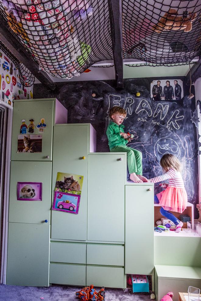 dosfamily-franksroom3 (2)