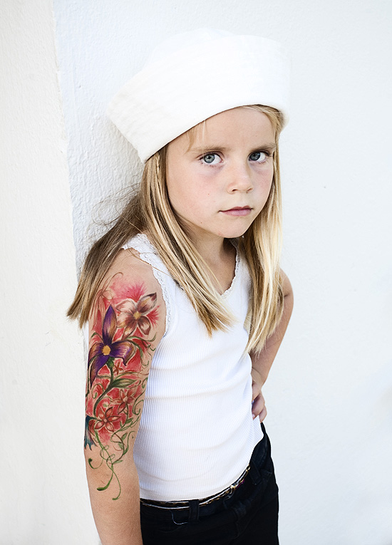 Who do you love dos family for Little kid tattoos
